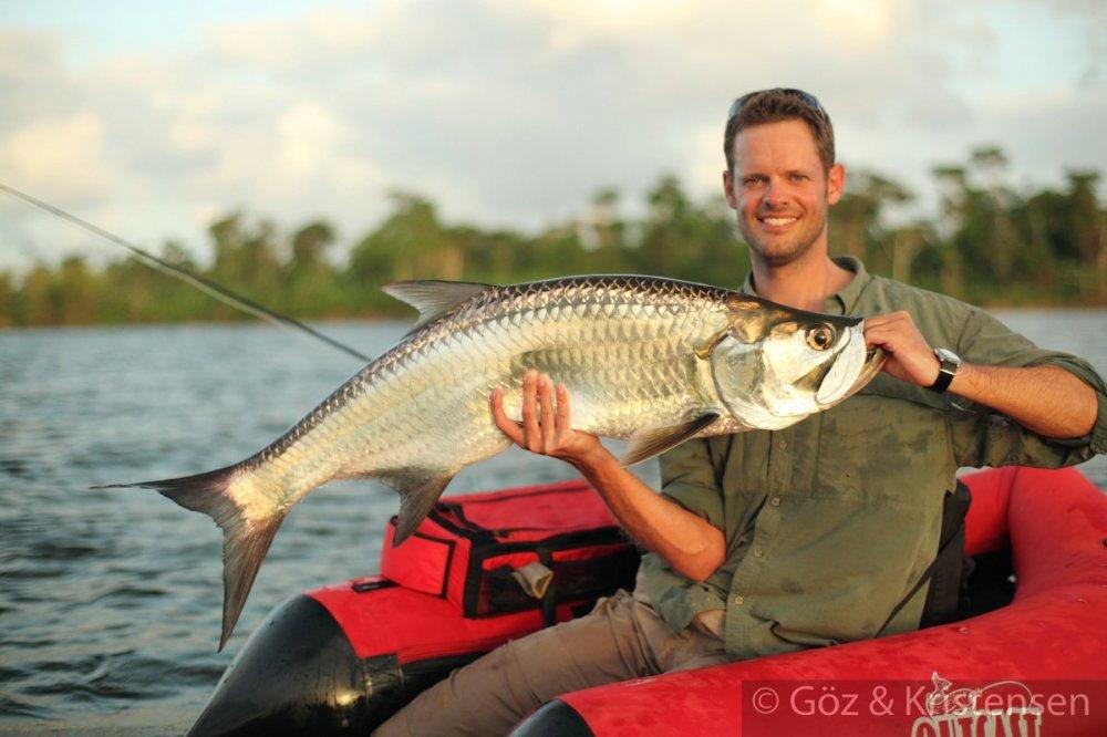 Float tube tarpon the venturing angler for Best fishing float tube