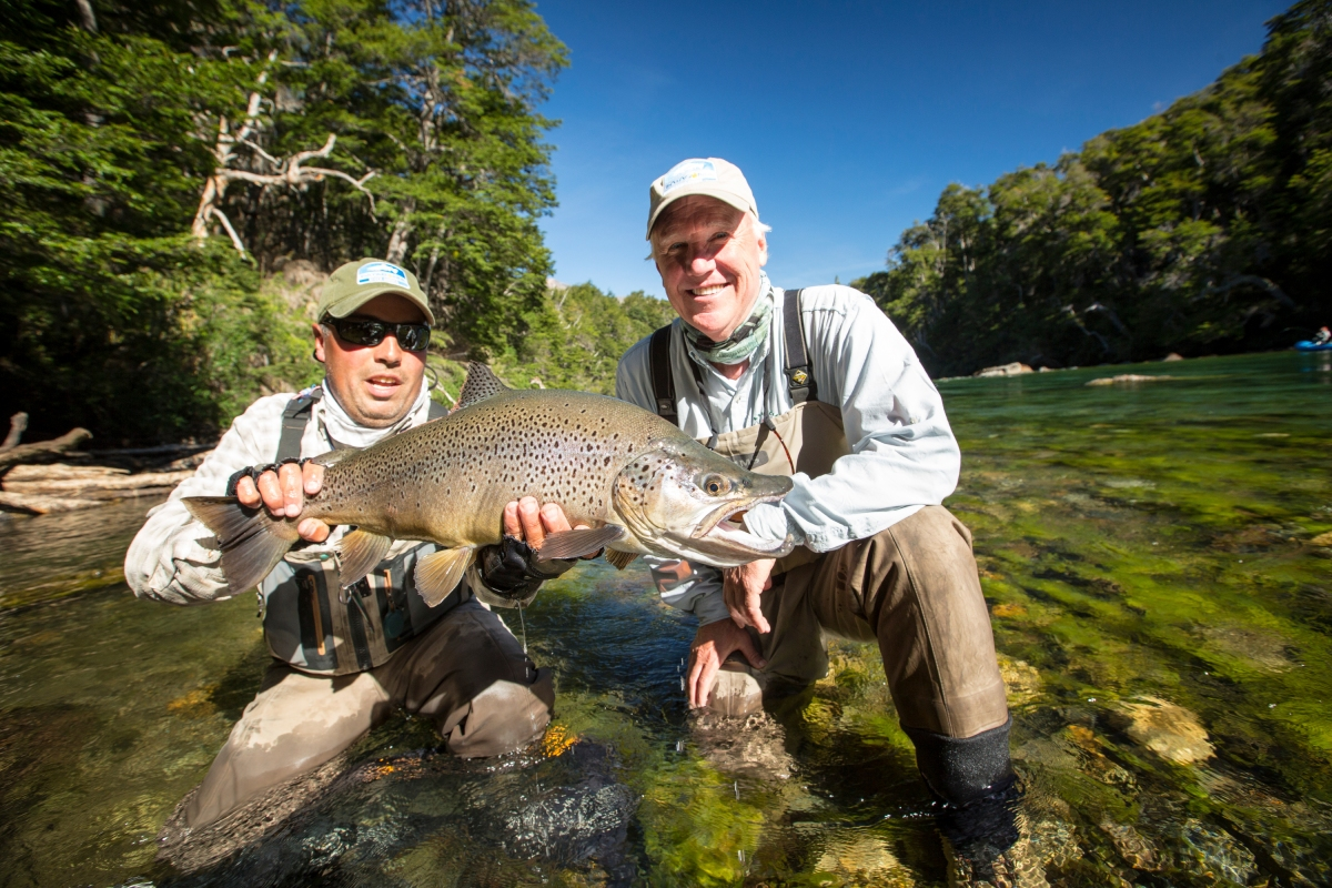 Fly fishing photo big patagonian brown trout the for Fly fishing patagonia