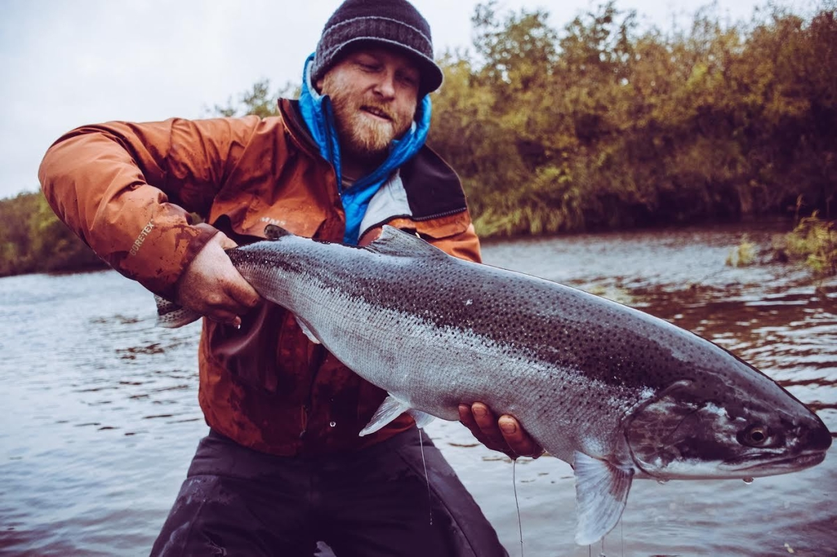Fly fishing photo justin miller and a kamchatka steelhead for Steelhead fly fishing